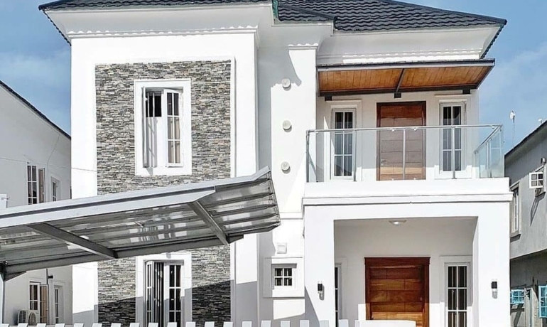 Beautiful 5 Bedroom fully detached house with BQ