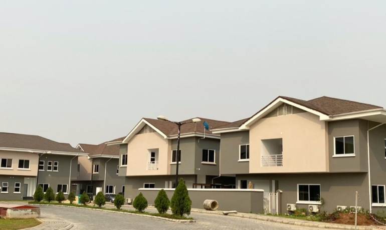 4 bedroom semi detached with in-built BQ located within 15 minutes drive to Victoria Island