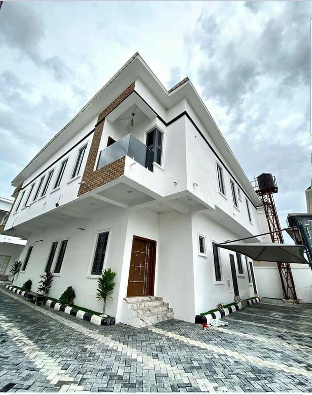 4 bedroom semi detached houses with in-built BQ by Chevron toll gate