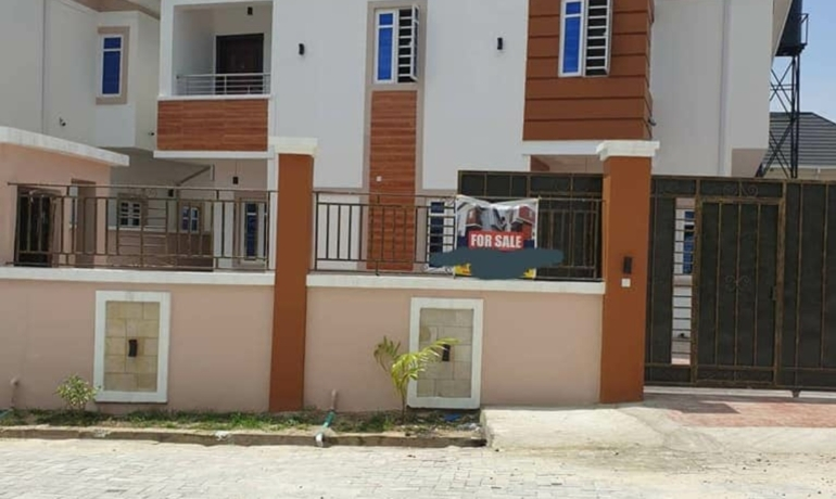 Brand new 4 Bedroom fully detached house plus BQ