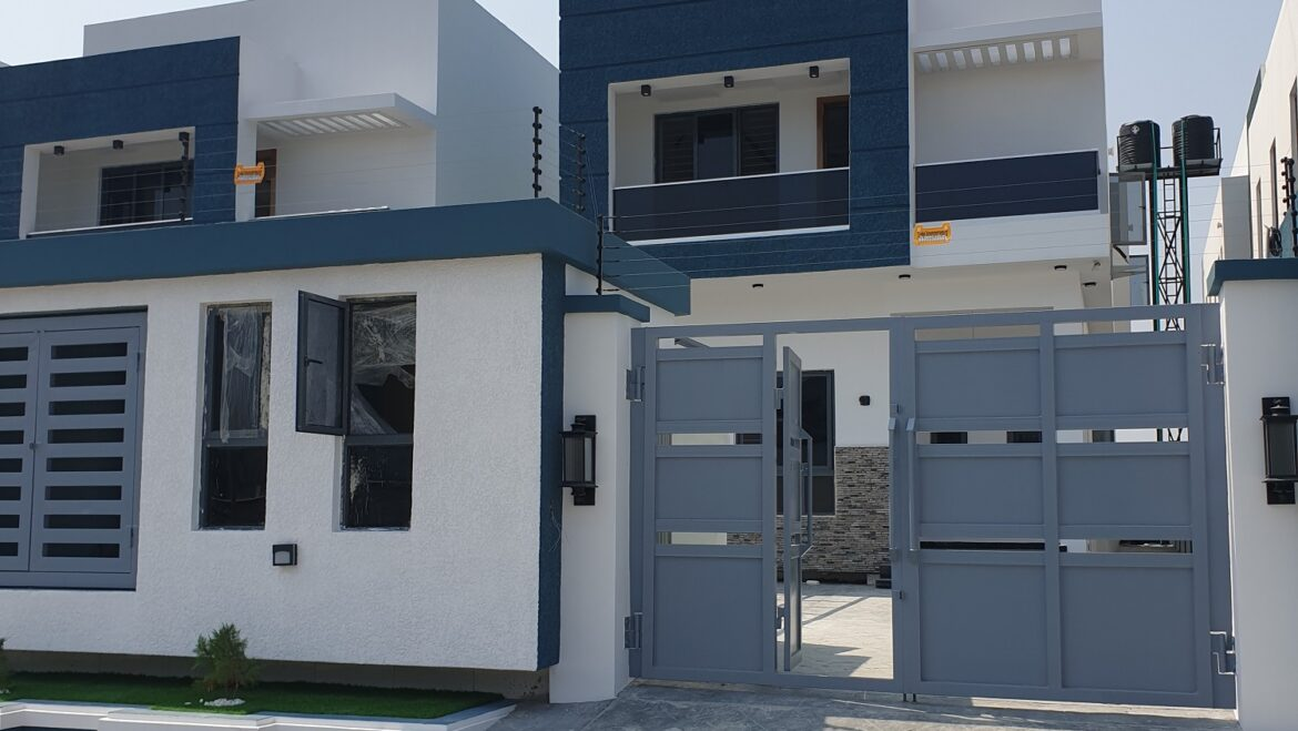 5 Bedroom Fully Detached House With BQ In Ikate, Lekki, Lagos.