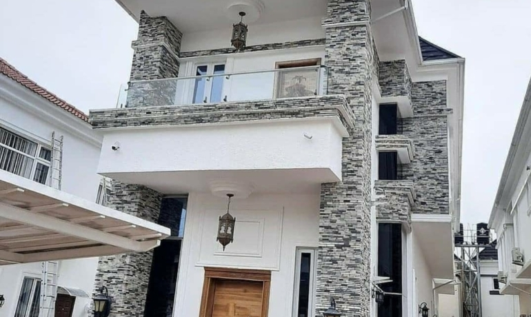 Tastefully Finished 5 Bedroom Fully Detached House with BQ in the prestigious Lekki County Homes