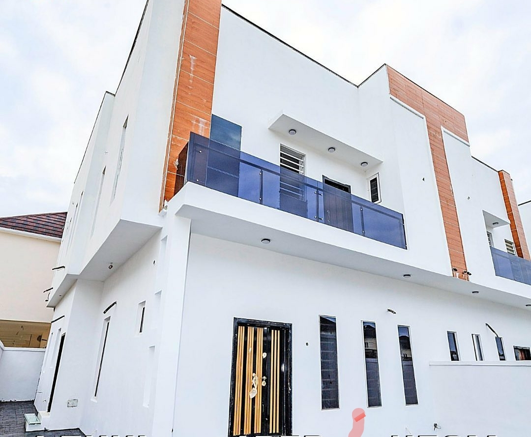 4 bedroom Terrace duplexes with in-built BQ in an organized and well developed estate.