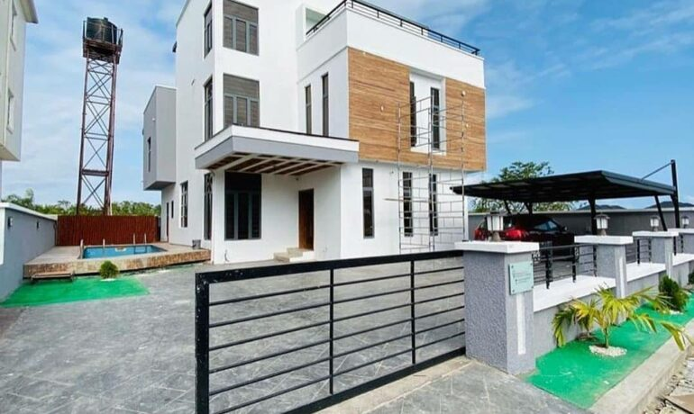 5 Bedroom fully detached house plus BQ with a breathtaking Lakeview In Ikota Villa, Lekki, Lagos.