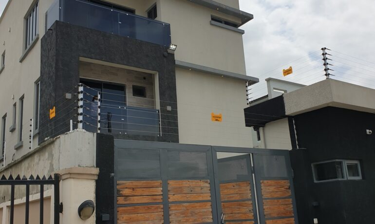 5 Bedroom Fully Detached House With BQ –  Lekki Phase 1, Lagos.