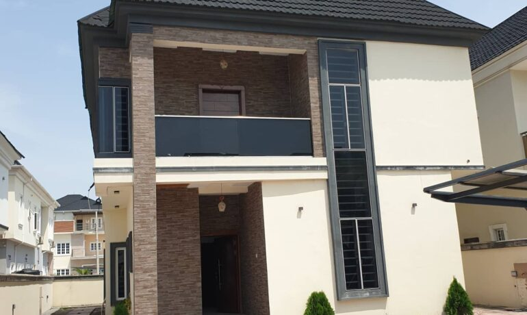 5 Bedroom Fully Detached House with BQ